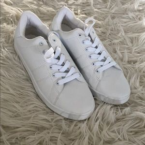 Only worn once white sneakers